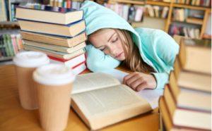Beim Lernen schlafen oder beim Schlafen lernen?
